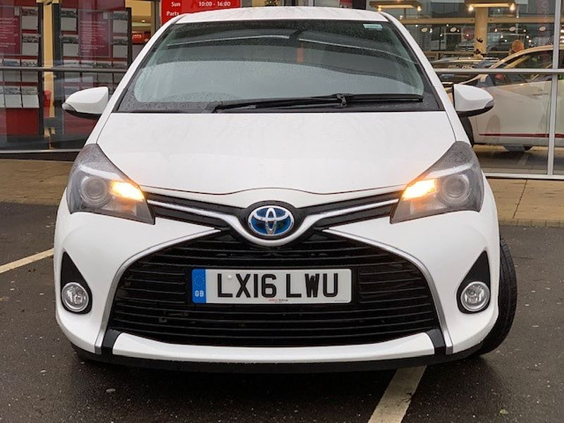 Toyota Yaris Hybrid 1.5 Icon 5-Dr (Congestion Charge Free)