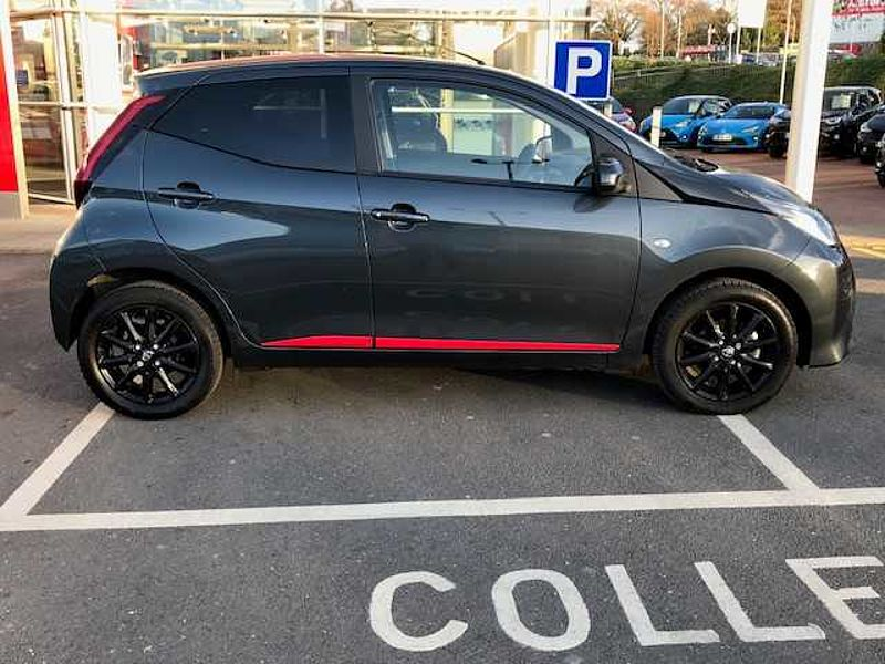 Toyota AYGO 1.0 VVT-i x-press 5-Dr